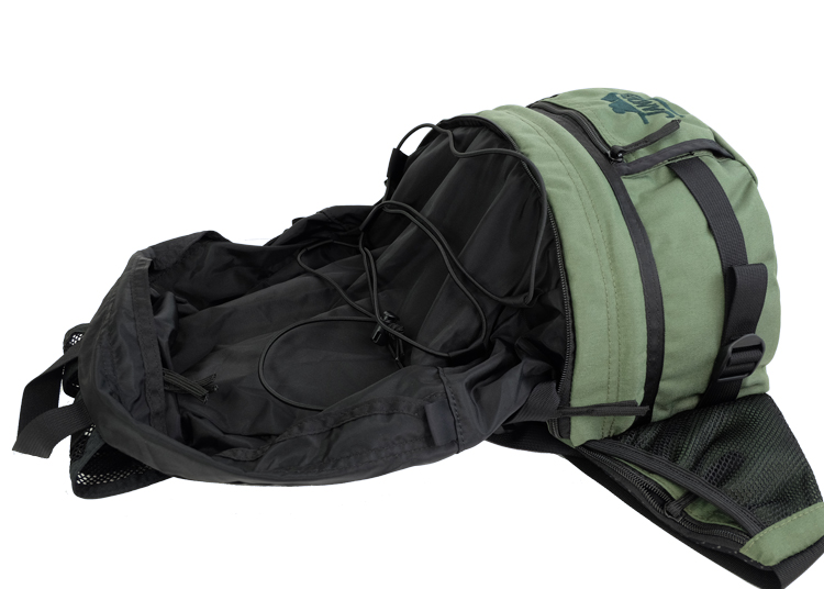Collapsing Daypack into Waist Pack